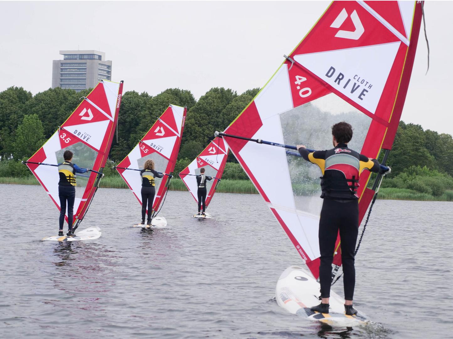 Leren windsurfen cwo